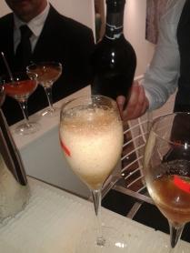 Era delizioso: whiskey, champagne, peperoncino, pepe nero.